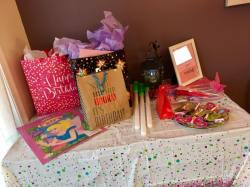 gift-table-2