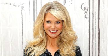 christie-brinkley-usa-weekly