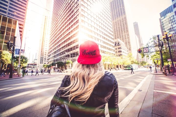 blonde-girl-walking-alone-on-san-francisco-streets-picjumbo-com1