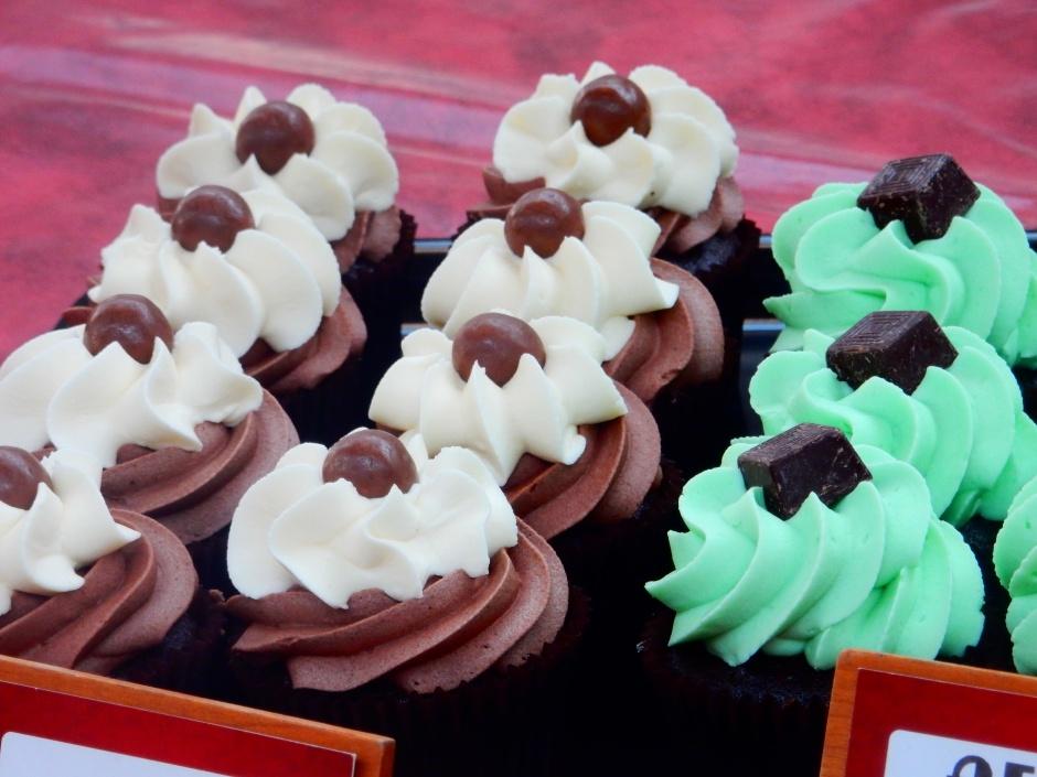 http___www-lifeofpix-com_wp-content_uploads_2016_04_life-of-pix-free-stock-cupcakes-market-jackiehadel